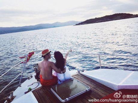 Huynh Hieu Minh hanh phuc tuyen bo Angela Baby da mang thai - Anh 1