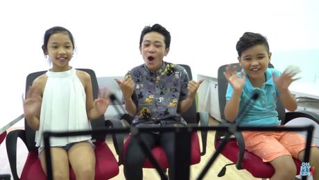 Dong Nhi 'sung so' voi hanh dong cua tro cung tai The Voice Kids 2016 - Anh 1