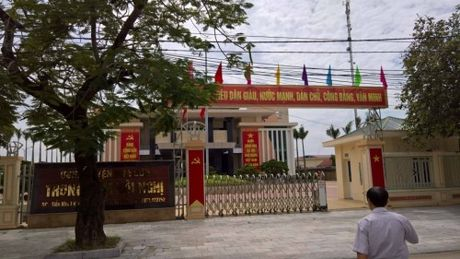 Khong co chuyen Trung tam Hoi nghi huyen Nga Son bi rut ruot - Anh 1