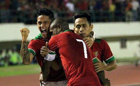 Van Thang lap sieu pham, doi tuyen Viet Nam hoa Indonesia - Anh 2
