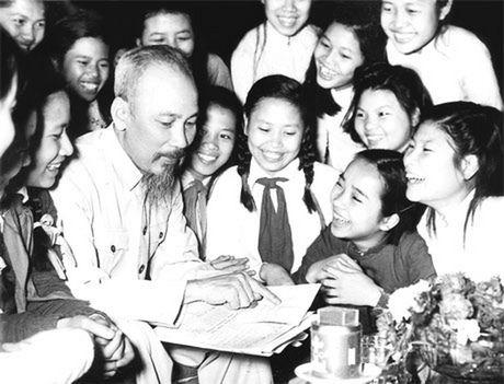 Chu tich Ho Chi Minh va mot tinh yeu bao la voi Ha Noi - Anh 1