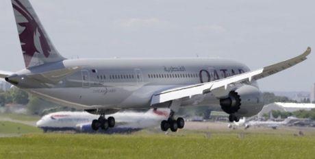 Qatar Airways dat mua 100 may bay Boeing tri gia gan 19 ty USD - Anh 1