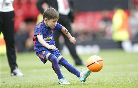 Sap giai nghe, Rooney va Carrick gui gam con trai cho Man Utd - Anh 1