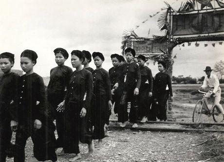 Can canh giay phut chuyen giao quyen luc o HN ngay 10/10/1954 - Anh 14