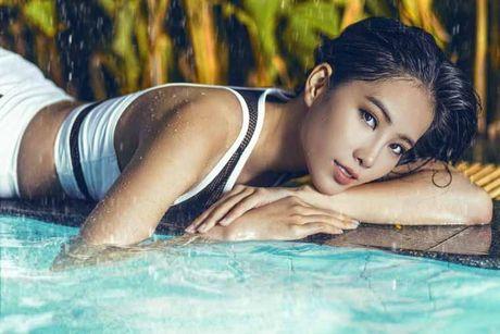 Hoa khoi Nam Em khoe body hoan hao tai Philippines - Anh 5