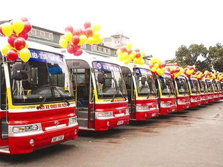 Ha Noi them 2 tuyen xe bus moi - Anh 1