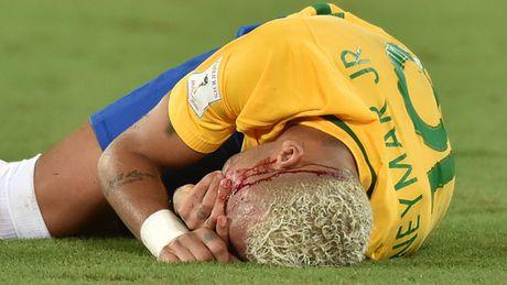 Neymar lai bi chi trich thieu ton trong doi thu - Anh 2