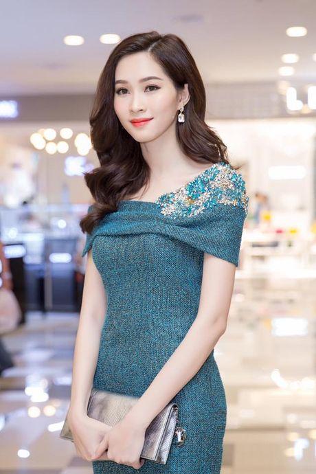 Hoa hau Thu Thao khong thieu nhuoc diem nhung biet cach 'che' - Anh 10