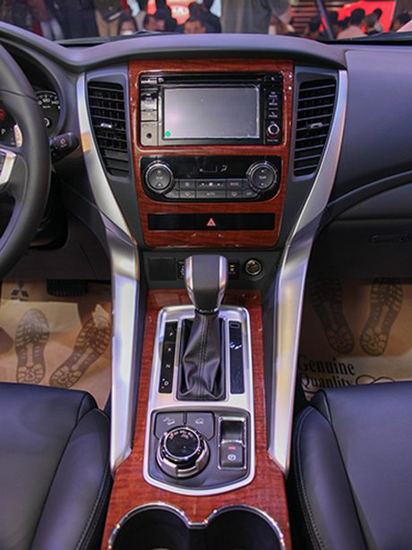 Mitsubishi dua mau SUV Pajero Sport Premium quyet chinh phuc thi truong Viet Nam - Anh 8