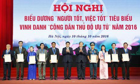 Bieu duong 'Nguoi tot, viec tot' va vinh danh 9 'Cong dan Thu do uu tu' - Anh 1