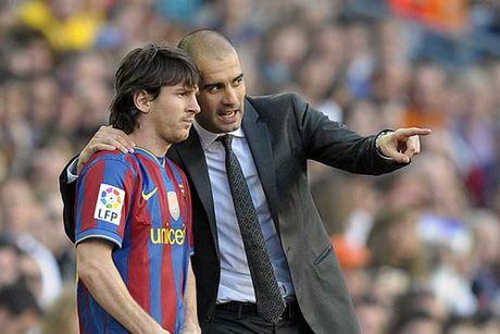 """Messi """"luoi"""" di chuyen duoi goc nhin cua Pep Guardiola - Anh 1"""