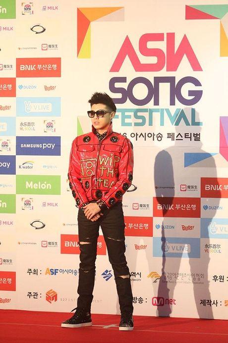 Noo Phuoc Thinh noi bat tren tham do Asia Song Festival 2016 - Anh 2