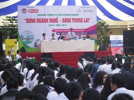 Huong nghiep 'Dung nganh nghe - Sang tuong lai' nam 2017 - Anh 1