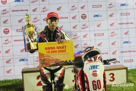 Giai dua xe mo to cup quoc gia vong 11 nam 2016: Kich tinh den phut cuoi cung - Anh 5