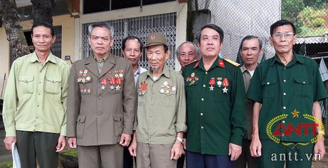 Lao Cai: Cho 'xuong hang' nhieu nan nhan chat doc hoa hoc - Anh 2