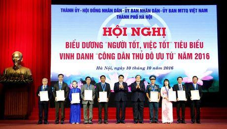 Ton vinh gan 1.000 guong 'nguoi tot, viec tot', cong dan Thu do uu tu - Anh 3