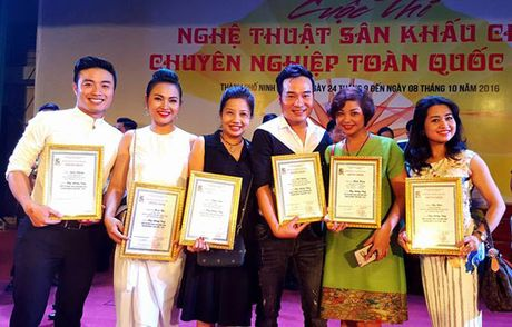 Nha hat cheo Ha Noi 'am' nhieu huy chuong nhat - Anh 1