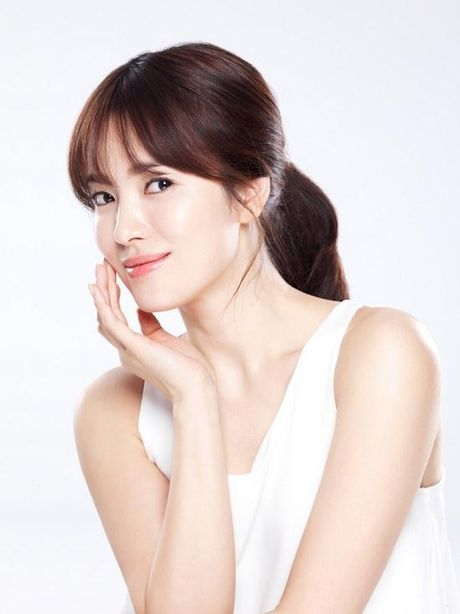 Fan day song truoc cao buoc Song Hye Kyo co nguoi chong lung? - Anh 1