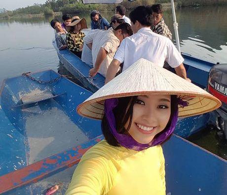Dao Thi Ha quay hinh cung S-Viet Nam - Anh 1