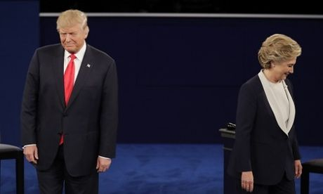 Clinton co the da chu dong ne bat tay Trump - Anh 1