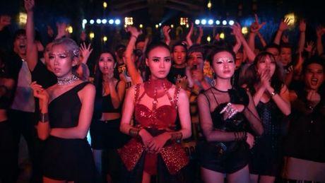 Fans Son Tung phan no voi clip quang cao 'dim hang' than tuong - Anh 1