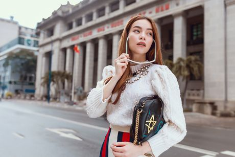Ho Ngoc Ha chon do hieu du Trien lam nghe thuat o Nhat - Anh 2