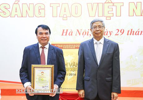 Tien sy Pham S: Vi lanh dao tinh say me khoa hoc - Anh 1