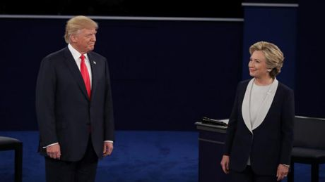 Nhung doan doi dap cang thang giua Donald Trump va Hilarry Clinton sang nay - Anh 1