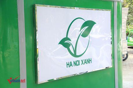 Nha ve sinh cong cong sieu xin o Ha Noi - Anh 3