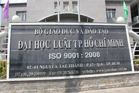 Ra truong gan 1 nam, sinh vien van chua nhan duoc bang - Anh 1