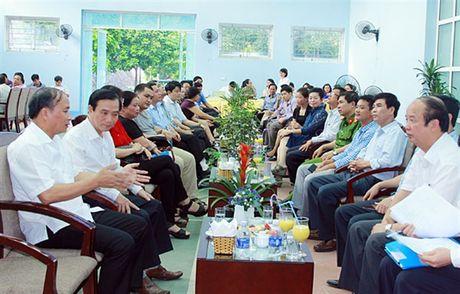 Lanh dao UBND tinh gap go doanh nhan chieu thu 6 hang tuan - Anh 1