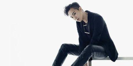 G-Dragon bi chi trich vi cach huong dan giat san pham quan ao moi - Anh 1