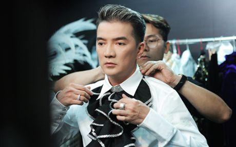Dam Vinh Hung tung trailer man nhan cho 'Diamond Show' o Ha Noi - Anh 1