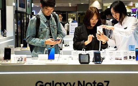 Samsung tam dung san xuat Galaxy Note 7 do su co phat no - Anh 1