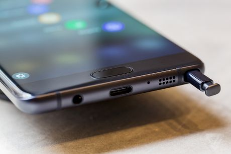 Samsung quyet dinh dung ban Galaxy Note 7 tren toan the gioi - Anh 1