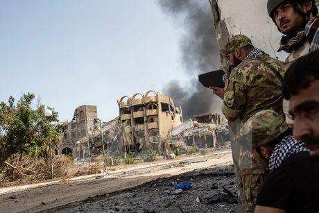 Quan ung ho chinh phu Libya tan cong khu vuc cuoi cung cua IS o Sirte - Anh 1