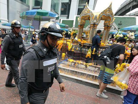 Thai Lan thiet lap cac chot kiem soat o thu do truoc canh bao danh bom - Anh 1