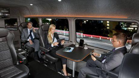 Brabus VIP Conference Lounge: Xe cho doanh nhan VIP - Anh 3