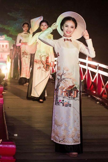 'Nguoi dep kha ai' To Nhu dep me hoac voi ao dai - Anh 4