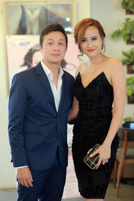 MC Anh Tuan tinh tu om eo A quan The Face Khanh Ngan - Anh 2