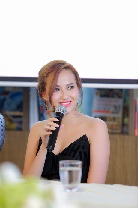 MC Anh Tuan tinh tu om eo A quan The Face Khanh Ngan - Anh 6
