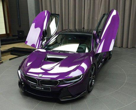 Me man voi BMW i8 mang mau 'Tim Chang Vang' cuc doc - Anh 1