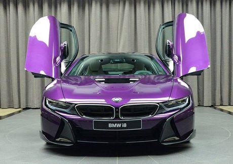 Me man voi BMW i8 mang mau 'Tim Chang Vang' cuc doc - Anh 2