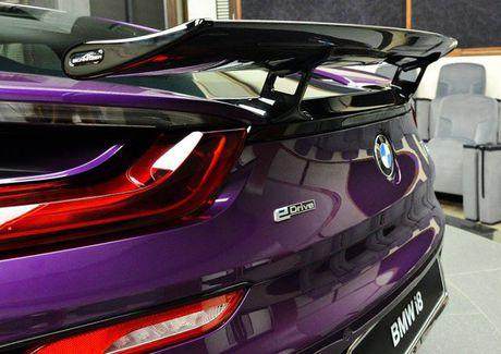Me man voi BMW i8 mang mau 'Tim Chang Vang' cuc doc - Anh 5