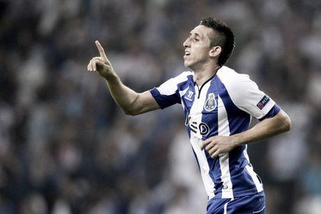 Sao FC Porto duoc 'tien cu' cho M.U - Anh 1