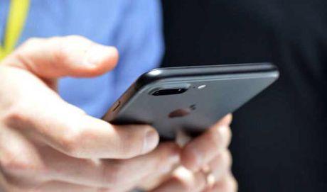 iPhone 7 phien ban 32GB co bo nho cham hon dang ke? - Anh 1