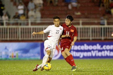 Tien ve Xuan Truong kip ve tham du tran Viet Nam - Indonesia tai Ha Noi - Anh 1