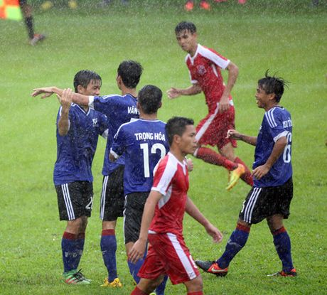 Giai U.21 Bao Thanh Nien 2016: Long An, PVF, An Giang chac suat du vong chung ket - Anh 2