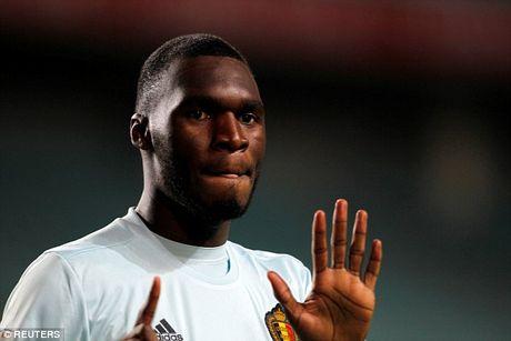 Benteke lap sieu ky luc ban thang nhanh nhat lich su World Cup - Anh 1