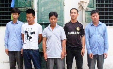 Dot kich, bat nhom doi tuong dang sat phat tren chieu bac - Anh 1